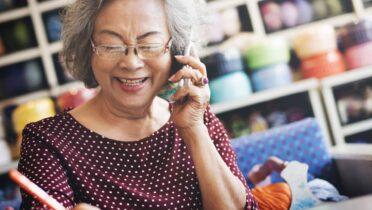 Quelles fonctions possède un dispositif de téléassistance mobile ?